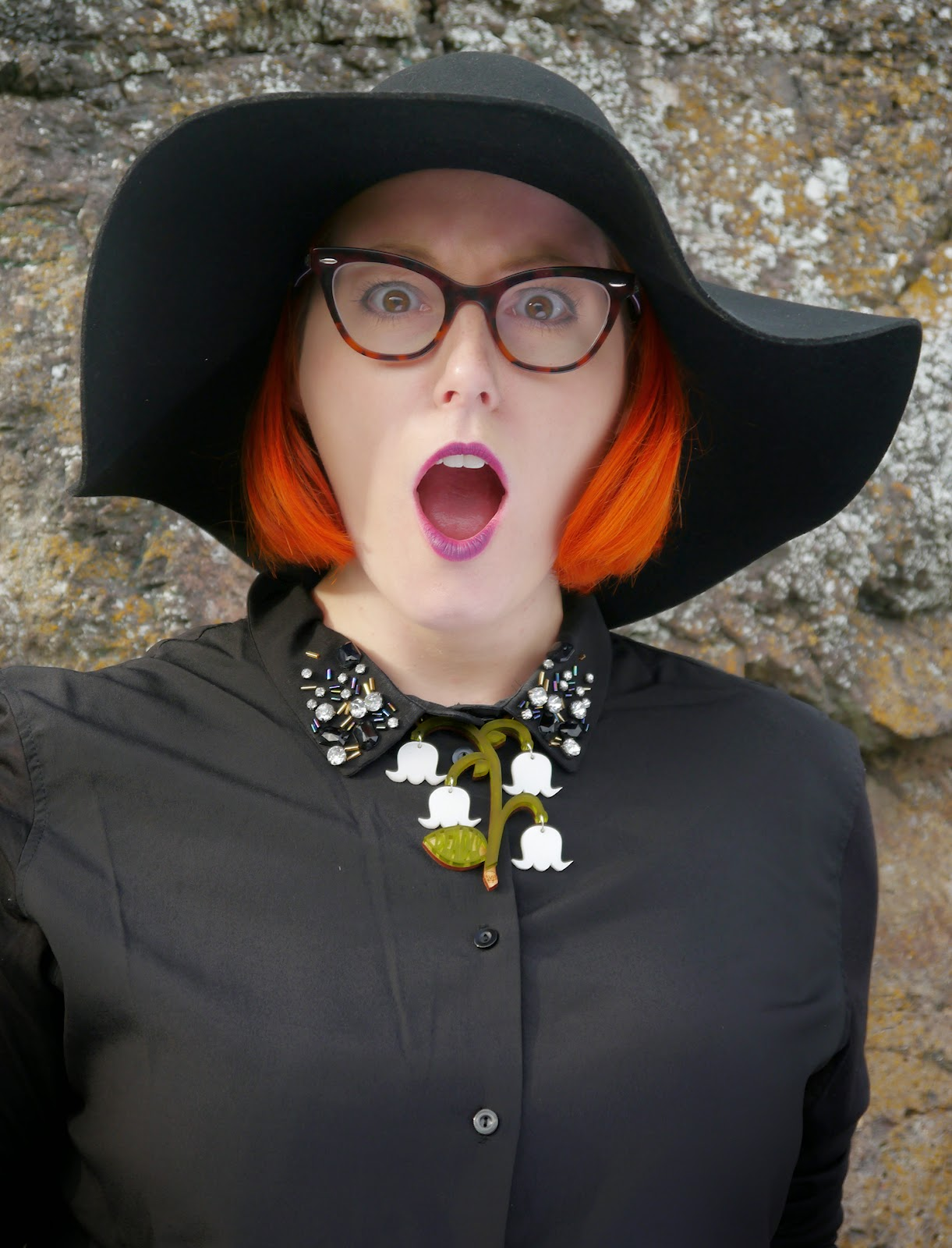 witch outfit, Halloween inspiration, Coven style, American Horror Story style, Halloween Outfit, red head, ginger hair, H&M wide brimmed hat, runaway fox flower necklace, black outfit, bejewelled collar, scottish blogger, scot street style