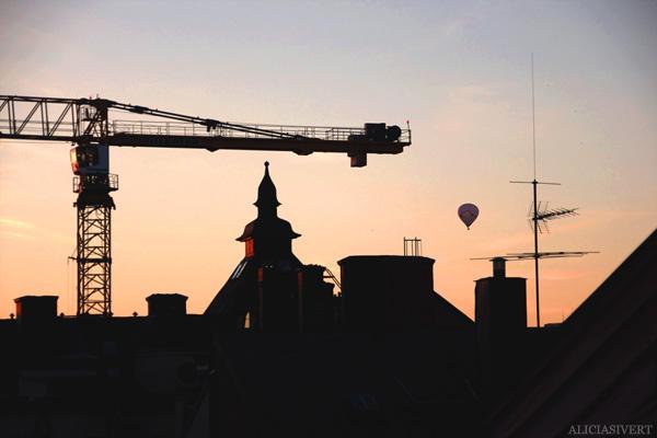 aliciasivert, alicia sivert, alicia sivertsson, ballonger, takås, ballong, varmluftsballong, balloon, roof, skyline