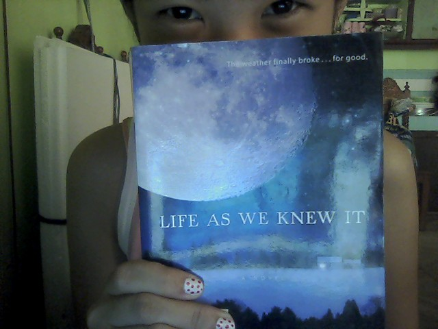 a critique of the book life as we know it by susan beth preffer In the final analysis, i suppose this reader has simply come to expect a  life as  we knew it by susan beth pfeffer tells the horrifying story of miranda and her.