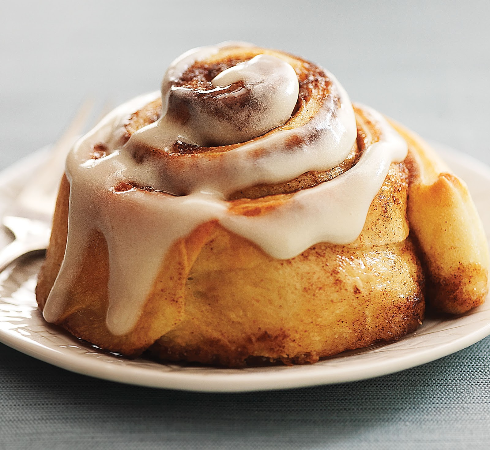 ALFRESCO: The 12 Days of Cinnamon Rolls