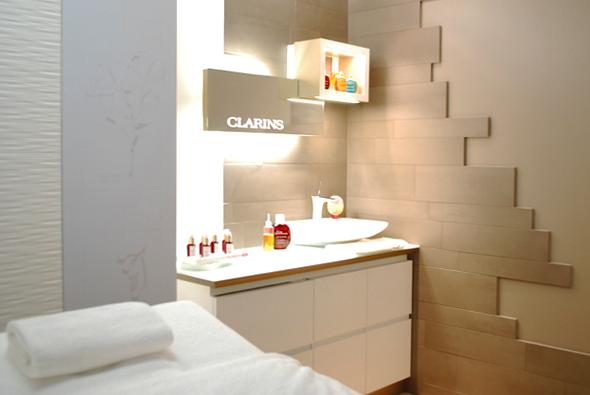 Un instant bien tre au spa clarins de lyon louise for Clarins salon