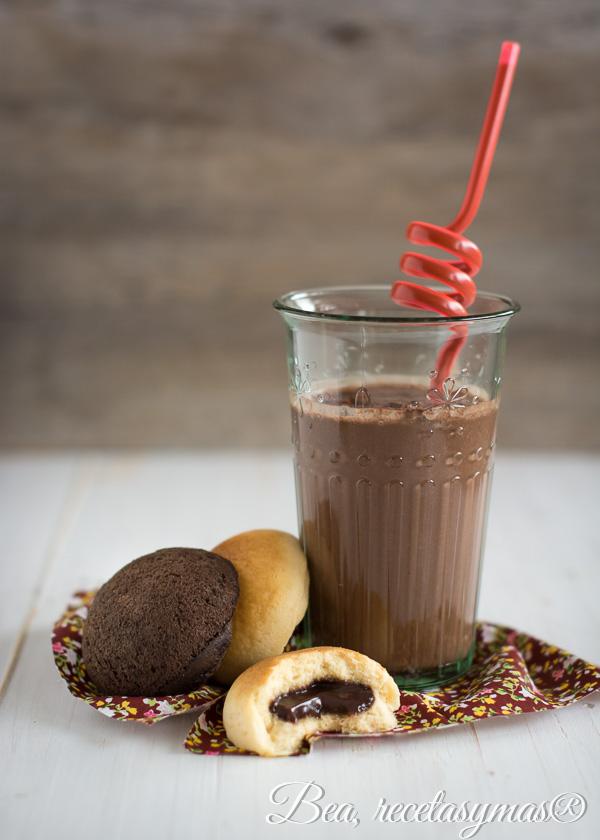 Batido cremoso de chocolate y crema de cacahuetes