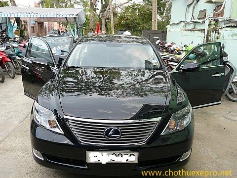 Cho thuê xe cưới Lexus LS600 tại Hà Nội