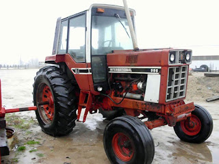 EQ-25337 International 986 tractor