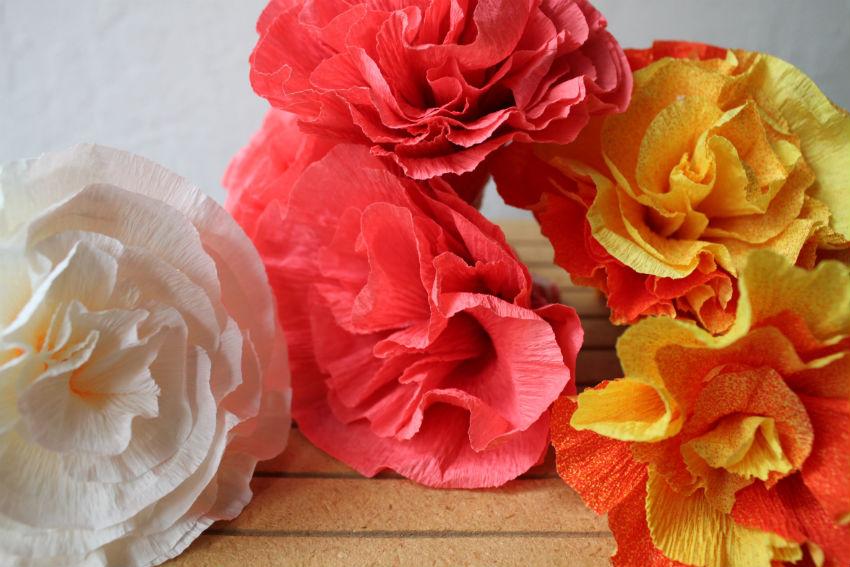 Corner blog how to make crepe paper flowers my way mightylinksfo