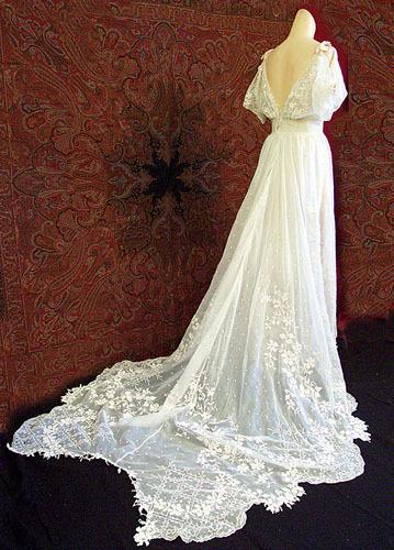 Celebrity Stars Bella Swans Wedding Dress