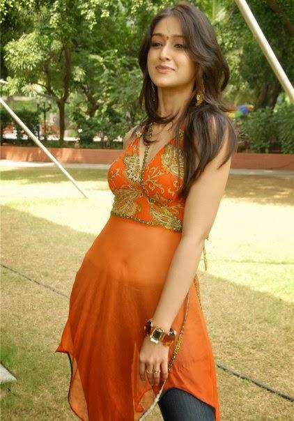 Bangladeshi+Hot+Girl+posing+with+her+transparent+dress+showing+navel005