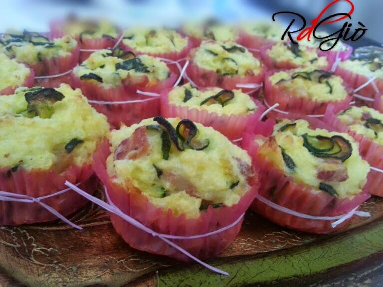 muffins salati di riso con zucchine e pancetta affumicata