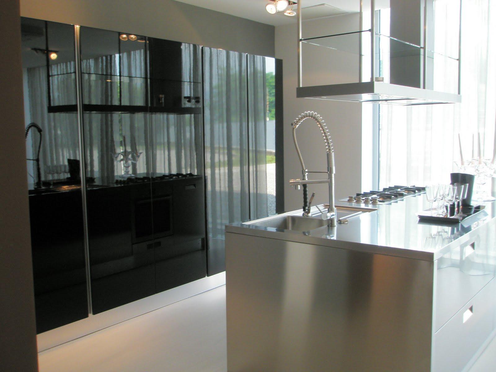 para as necessidades funcionais da cozinha o workbench destas cozinhas #7D664E 1600 1200