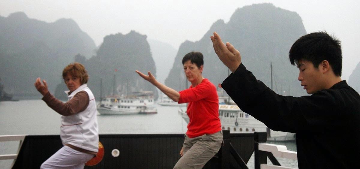 Khám phá Vịnh Hạ Long trên du thuyền sang trọng Pelican