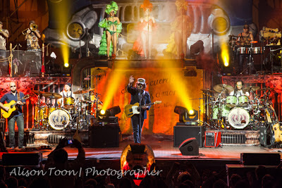 Zucchero, performing at the Summum, Grenoble: review