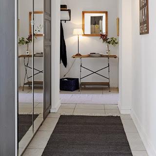 Espejos en el pasillo o hall buenas ideas decorando mejor - Decorar pasillos con espejos ...