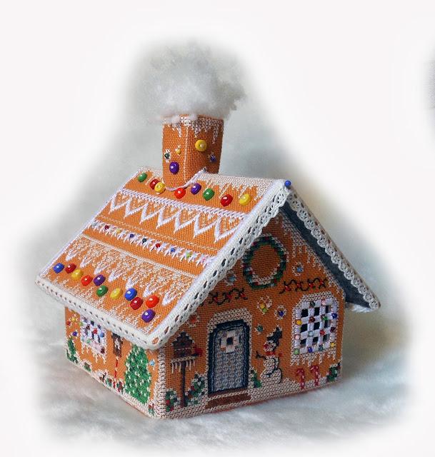 Вышитый пряничный домик- Домик,в котором горит свет.