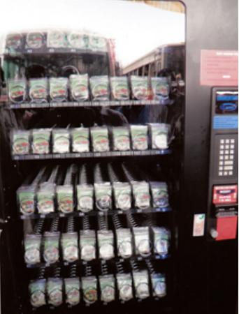 how to remove change from a vending machine
