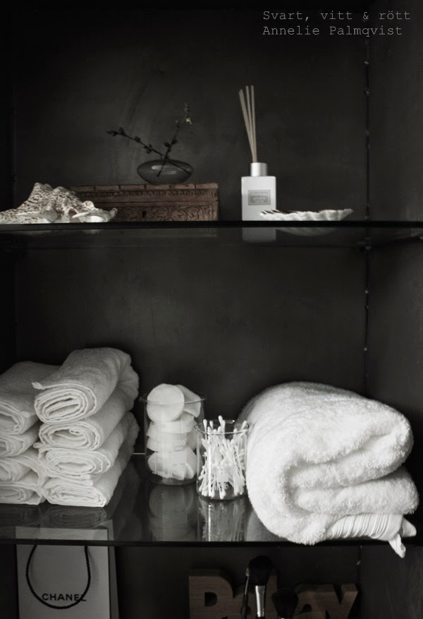 manzana, plåtskåp, industriellt skåp, industriskåp, industristil, industriellt badrum, förvaring i badrum, badrum 2014, inspiration, renovering,