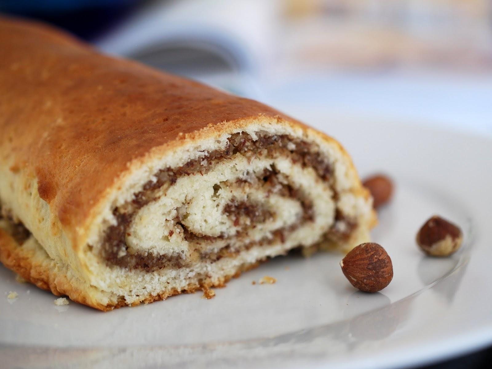 Tasty Tuesday Rezept Leckere Haselnussrolle fürs Kaffeekränzchen