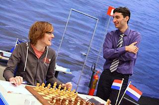 Echecs : Baadur Jobava (à droite) et Etienne Goudriaan - Photo © ChessBase