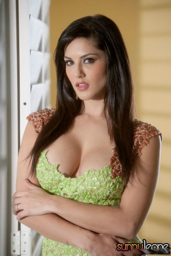 sunny leone cleavage 2 - Indian Actress - Blue Films Hot Photos News