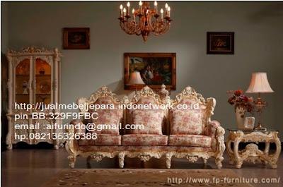 toko mebel jati klasik,jual sofa Classic Eropa,Jual Mebel Jepara,Sofa Classic cat Duco,Sofa Classic Jepara,Sofa Classic High class,Jual Mebel ukir asli Jepara,Jual Sofa Classic CODE-SFTM 197 sofa tamu classic Racoco ukir jepara