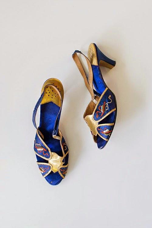 gorgeous vintage blue shoes