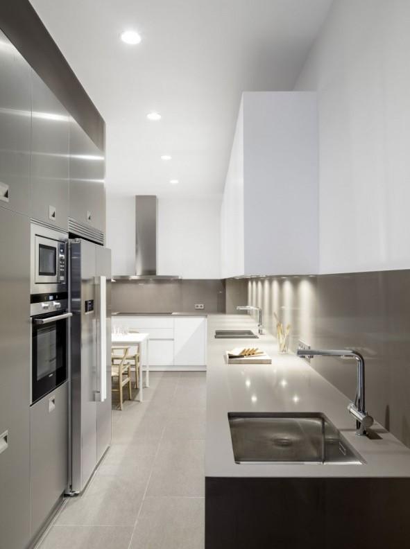casa de alma modernista y estética minimalista