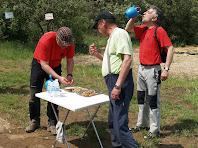 Amb l'equip escombra aprofitant els fruits secs i l'aigua del tercer avituallament