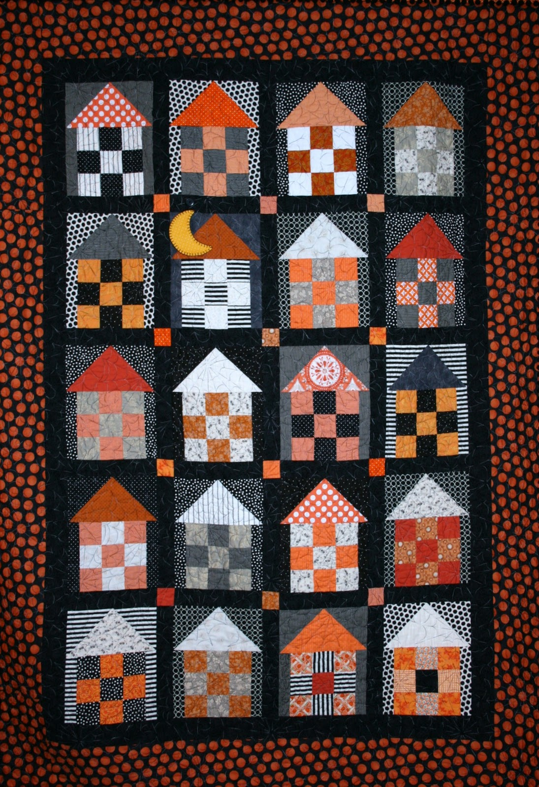 Quilt Inspiration: Fun Halloween quilts: Haunted Houses