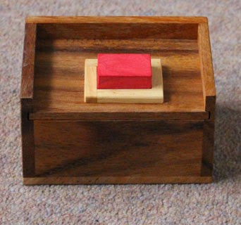 A packing puzzle box