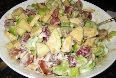 cara membuat salad buah enak