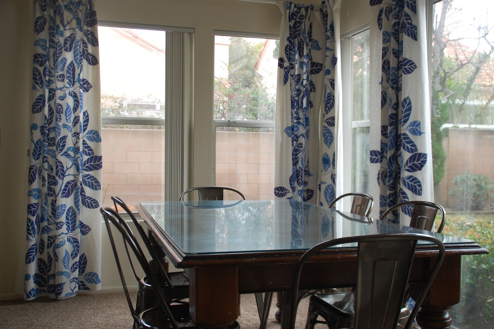 Lisa Moves: new curtains and chairs the dining room