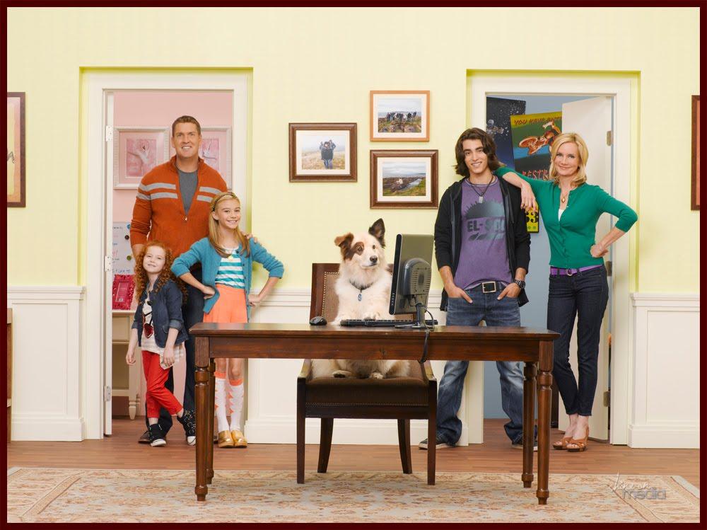 Primera promoción de la serie de Disney Channel, Dog with a Blog