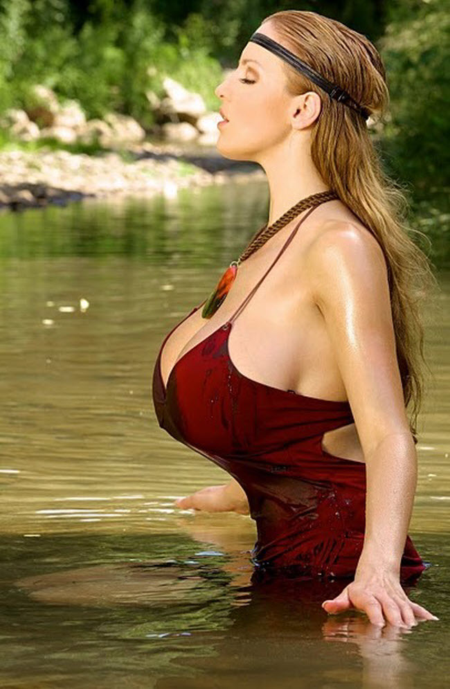 Jordan Carver New Latest