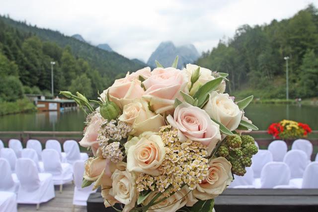 Brautstrauß mit Rosen in Blush, Nude, Pfirsich, Rosé - Bridal bouquet blush & nude
