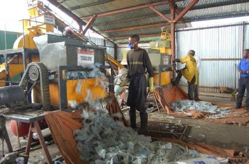 proses daur ulang plastik