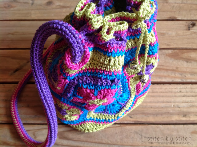 Lining Crochet Bag : the lining inside the bag, and hand sew the lining to the crochet bag ...