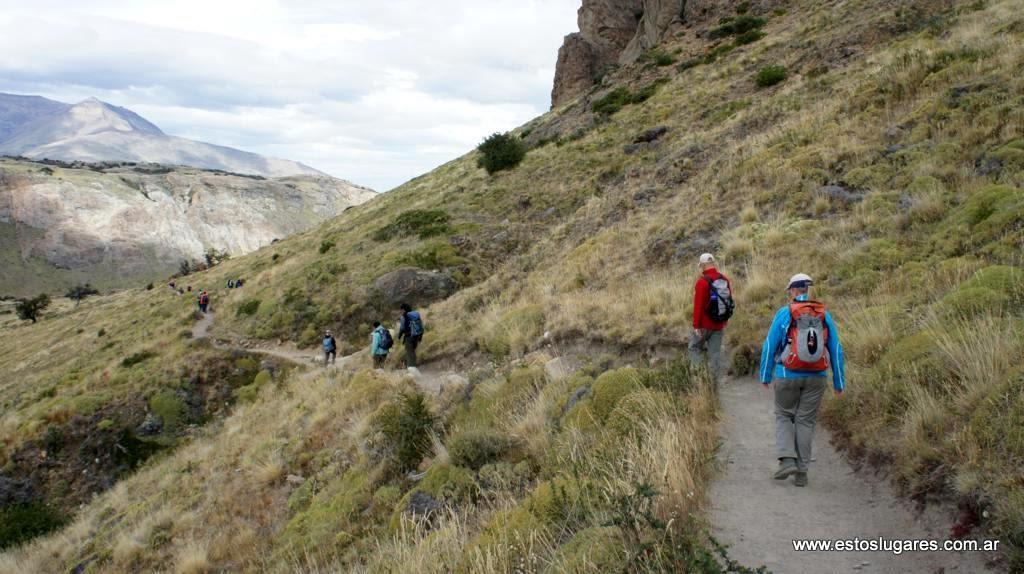 Estos lugares sendero a la laguna de los tres y el cerro for Granitos nacionales argentinos