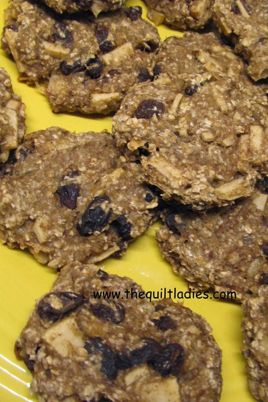 No flour, no sugar cookies recipe with bananas and oatmeal.