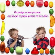 Frases De Amigo:Un Amigo Es Una persona Con La Que Se Puede Pensar En Voz Alta