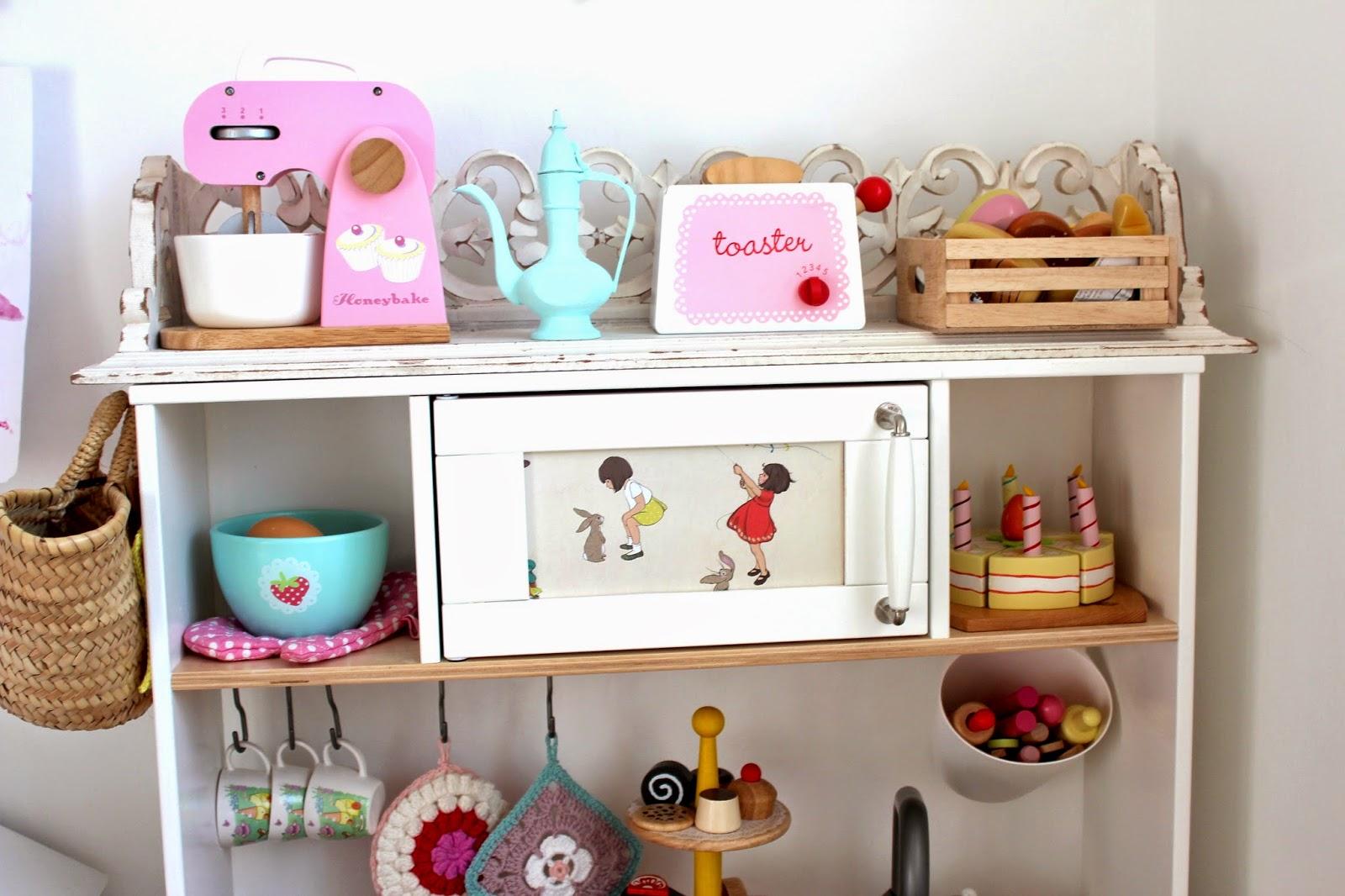 esra 39 s play kitchen b u b b l e g a r m bloglovin. Black Bedroom Furniture Sets. Home Design Ideas