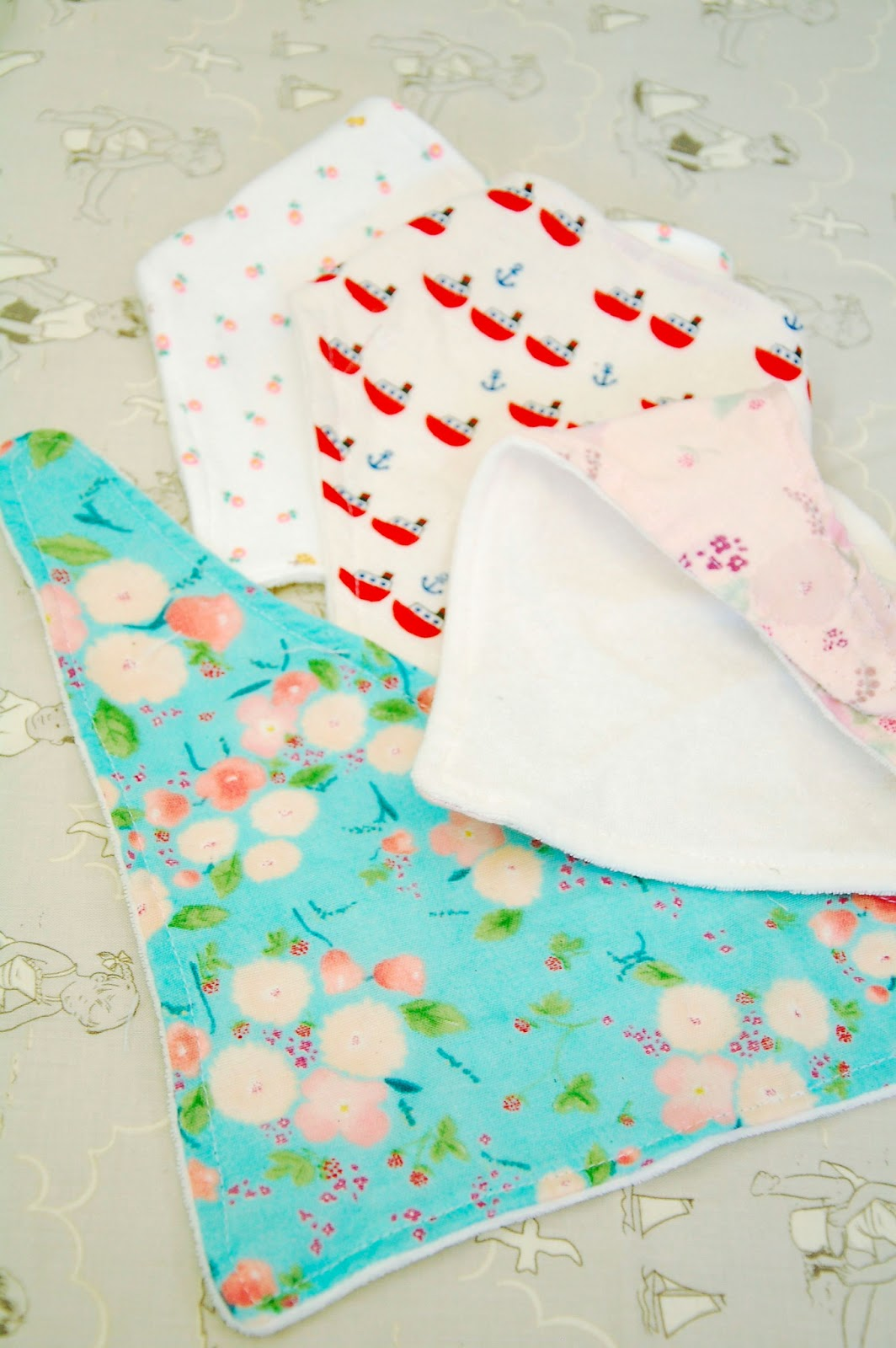 Stash busting bandana bibs tutorial eternal maker blog stash busting bandana bibs tutorial baditri Images