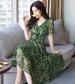2017 Half Trumpet Sleeve Green/Red Leaf Print Flare Chiffon Dress