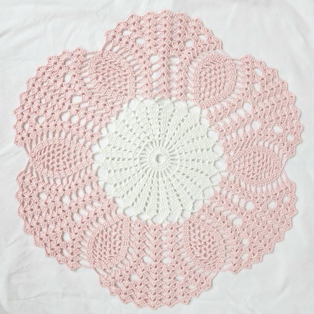 byHaafner, crochet, mandala, doily, pastel