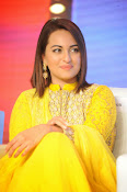 Sonakshi sinha at Lingaa event-thumbnail-16