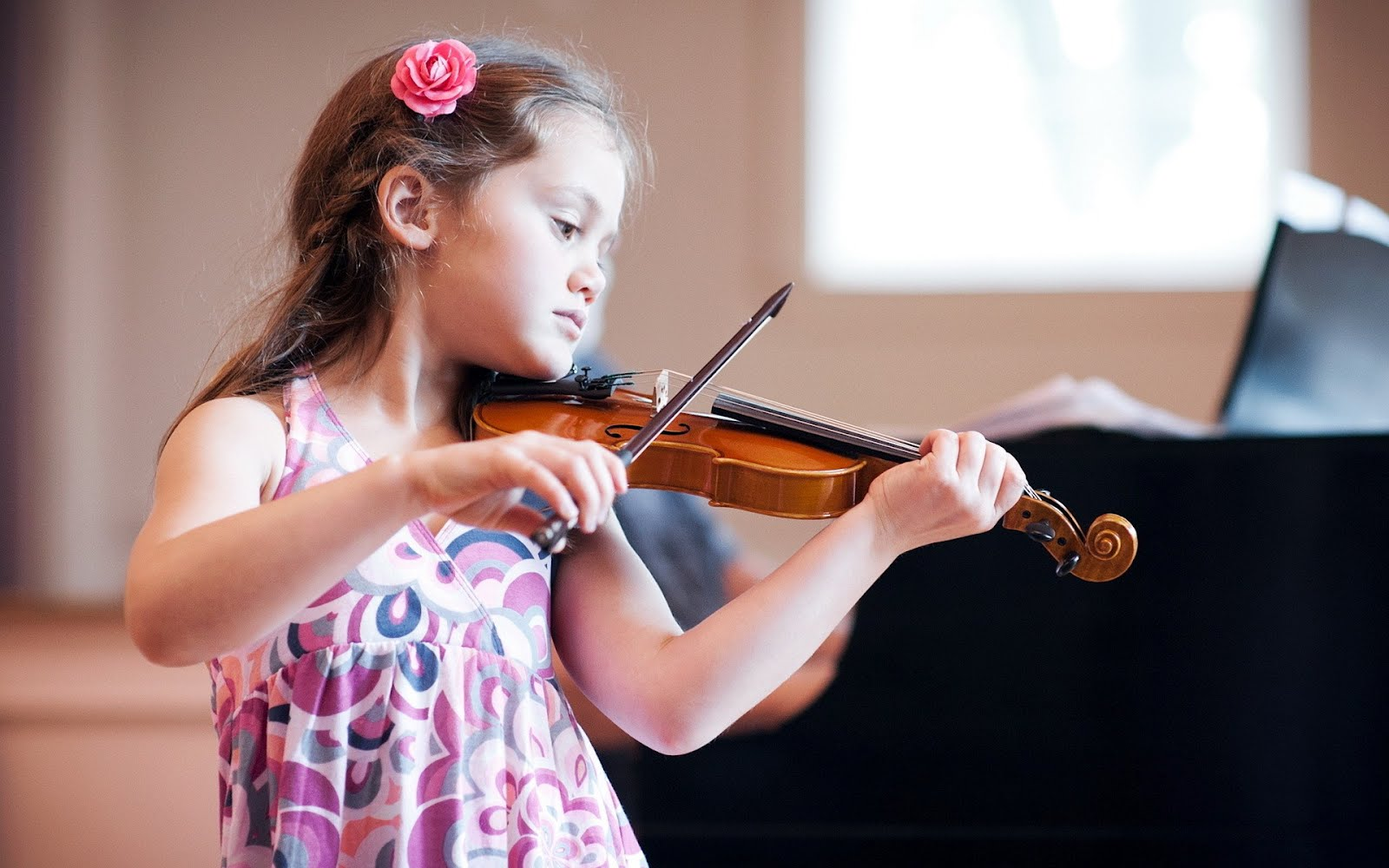 Момиче свири на виола, HD Wallpaper