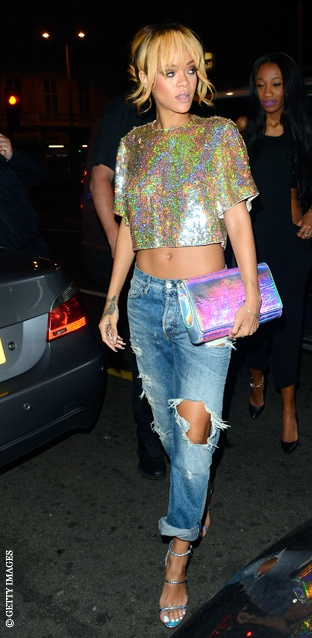 Rihanna_boyfriend jeans_Stella McCartney top