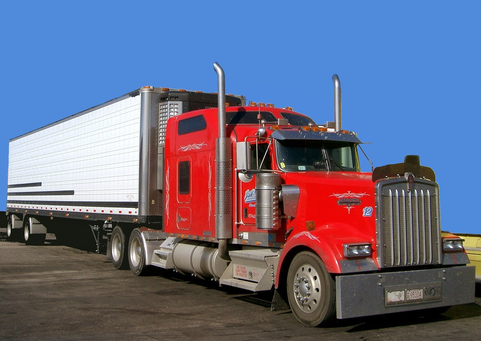 The heavy duty trucks are much powerful and bigger in size than any other kinds of trucks there are many renowned auto mobile brands that has made