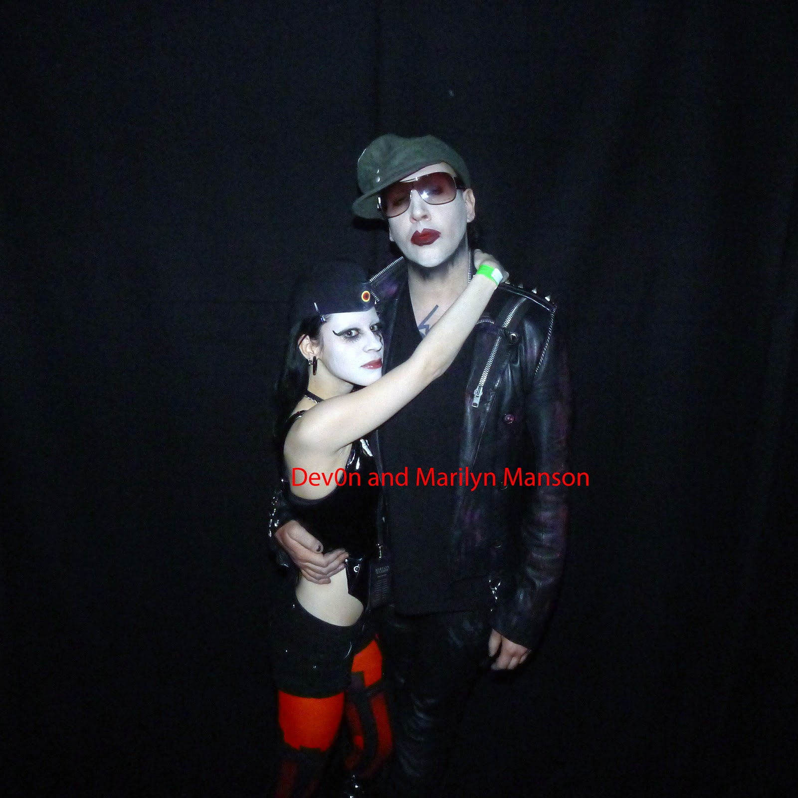 D0lls toy box meeting marilyn manson i went to see marilyn manson in vienna my dear friend katarina and her boyfriend gave me a lift me and katarina both had vip tickets and we had a great m4hsunfo