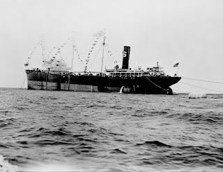 بدايه اكتشافات البترول في الجزيره العربيه 1939.jpg