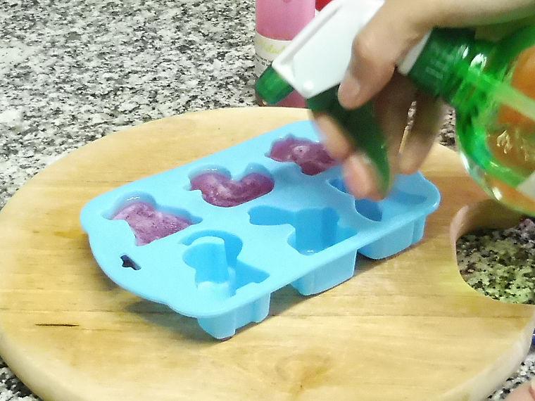 Brochetas infantiles de jabon con aroma a uva y chicle