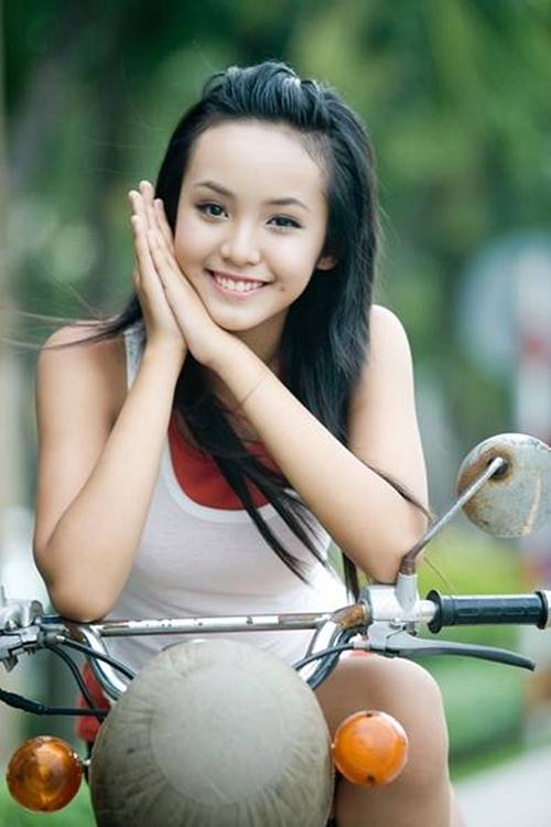 stunning 12 year old model from vietnam